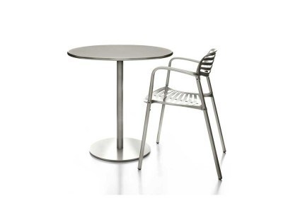 wci_table_outdoor_1